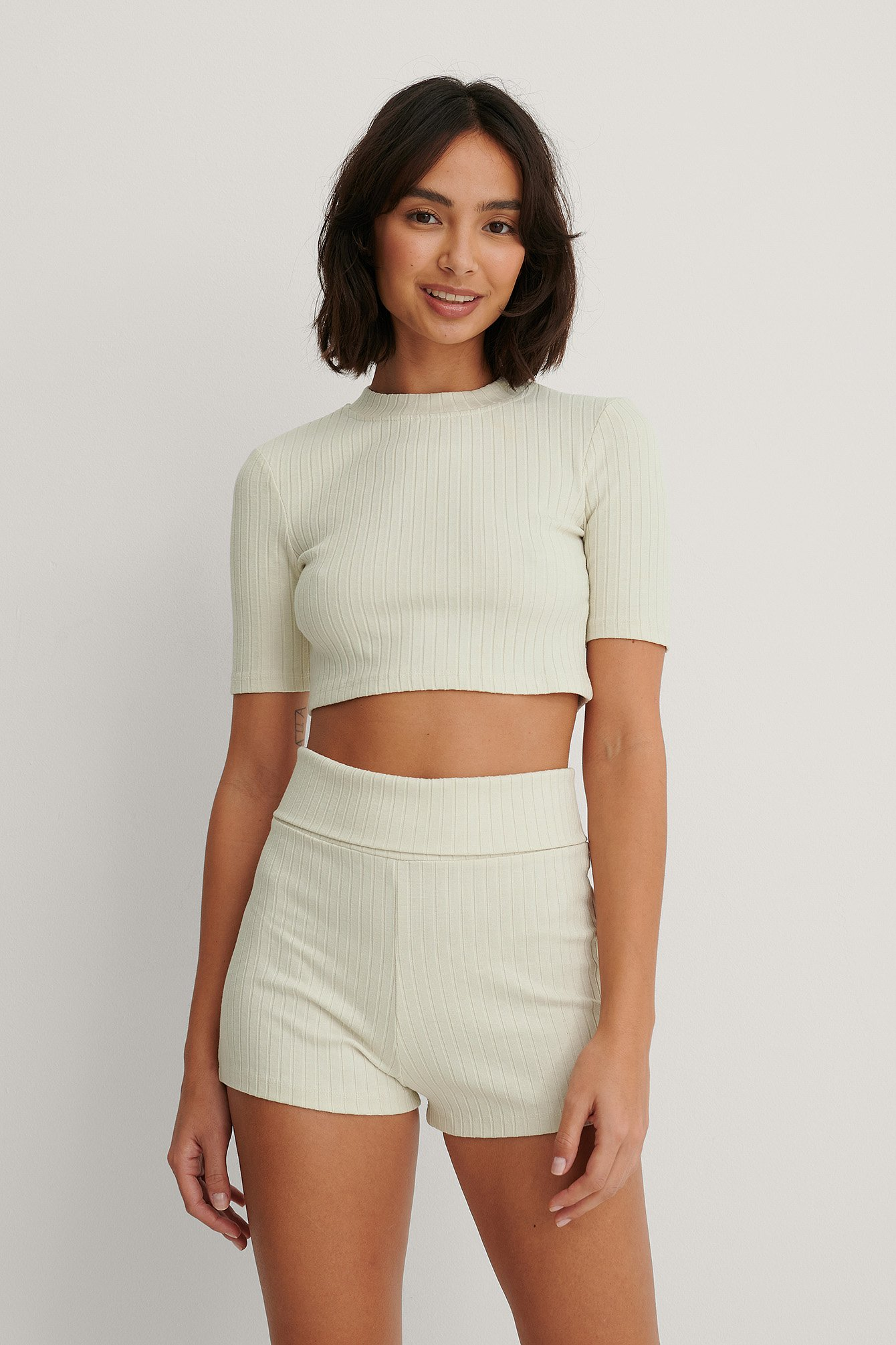 Dusty Light Beige Basic Ribbed Highwaist Shorts