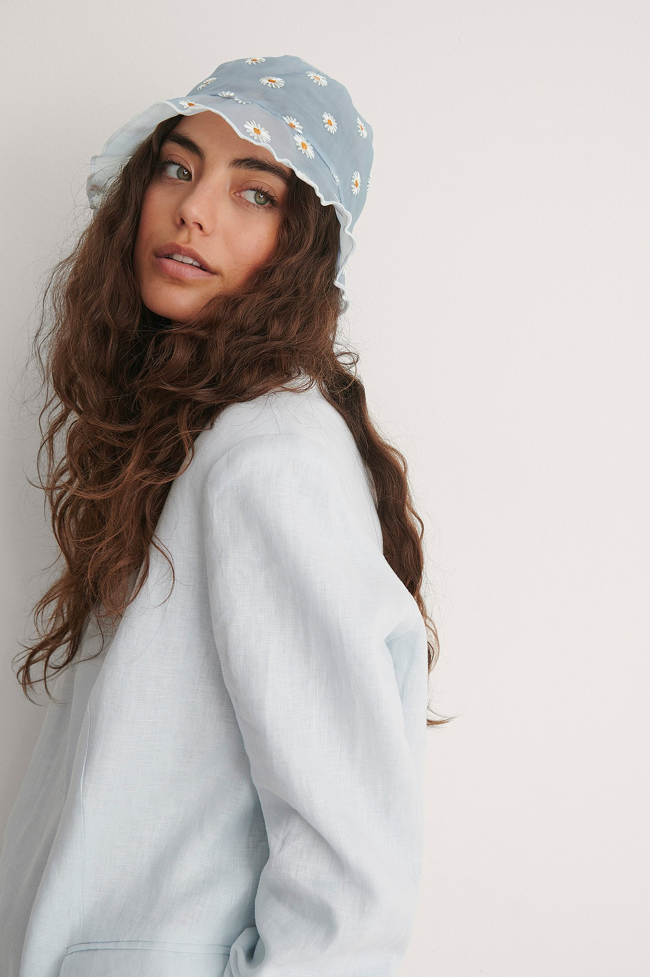 Blue Daisy Embroidered Bucket Hat