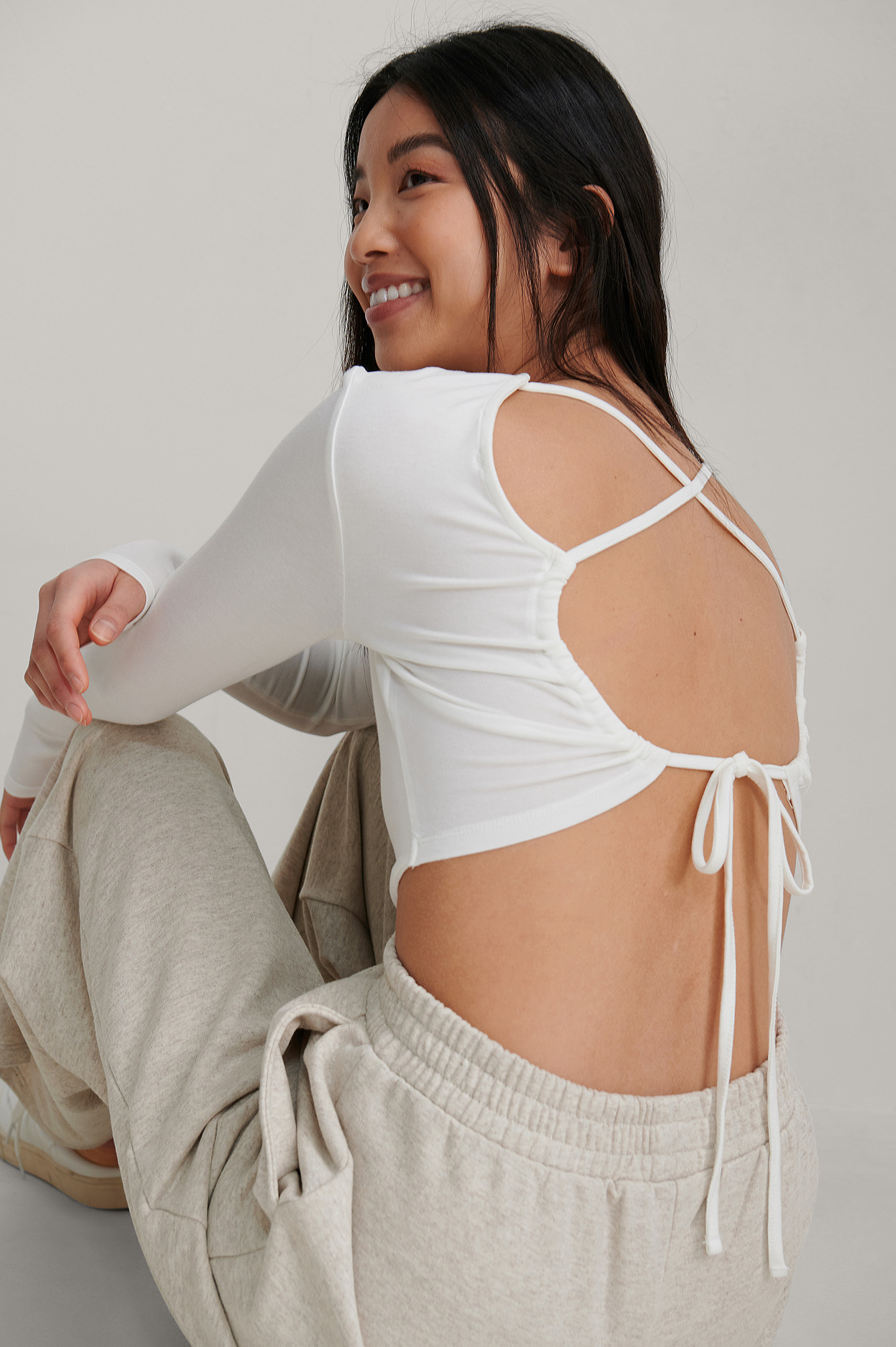Offwhite Knot Back Detail Top