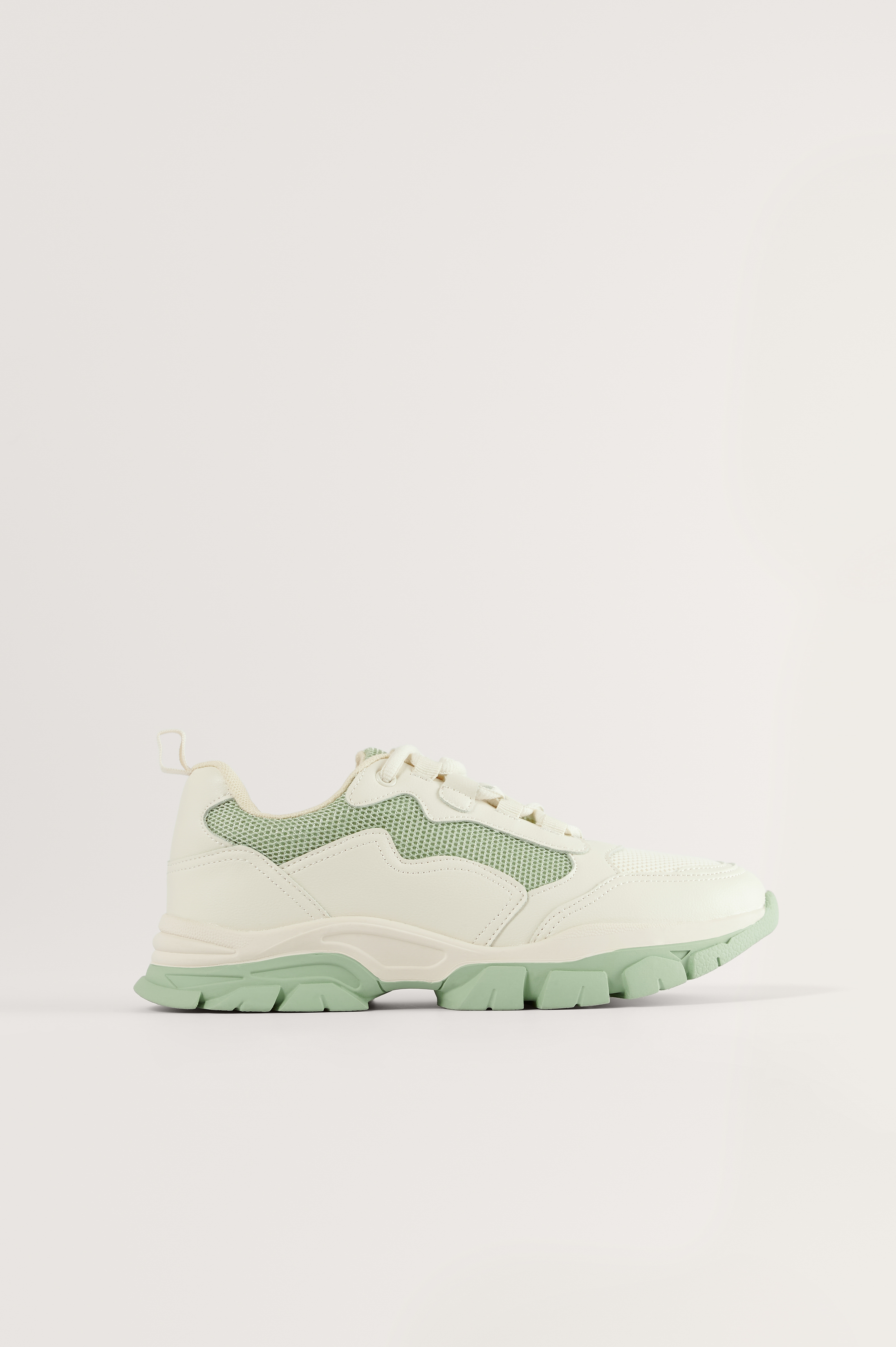 Green Low Trekking Sneakers