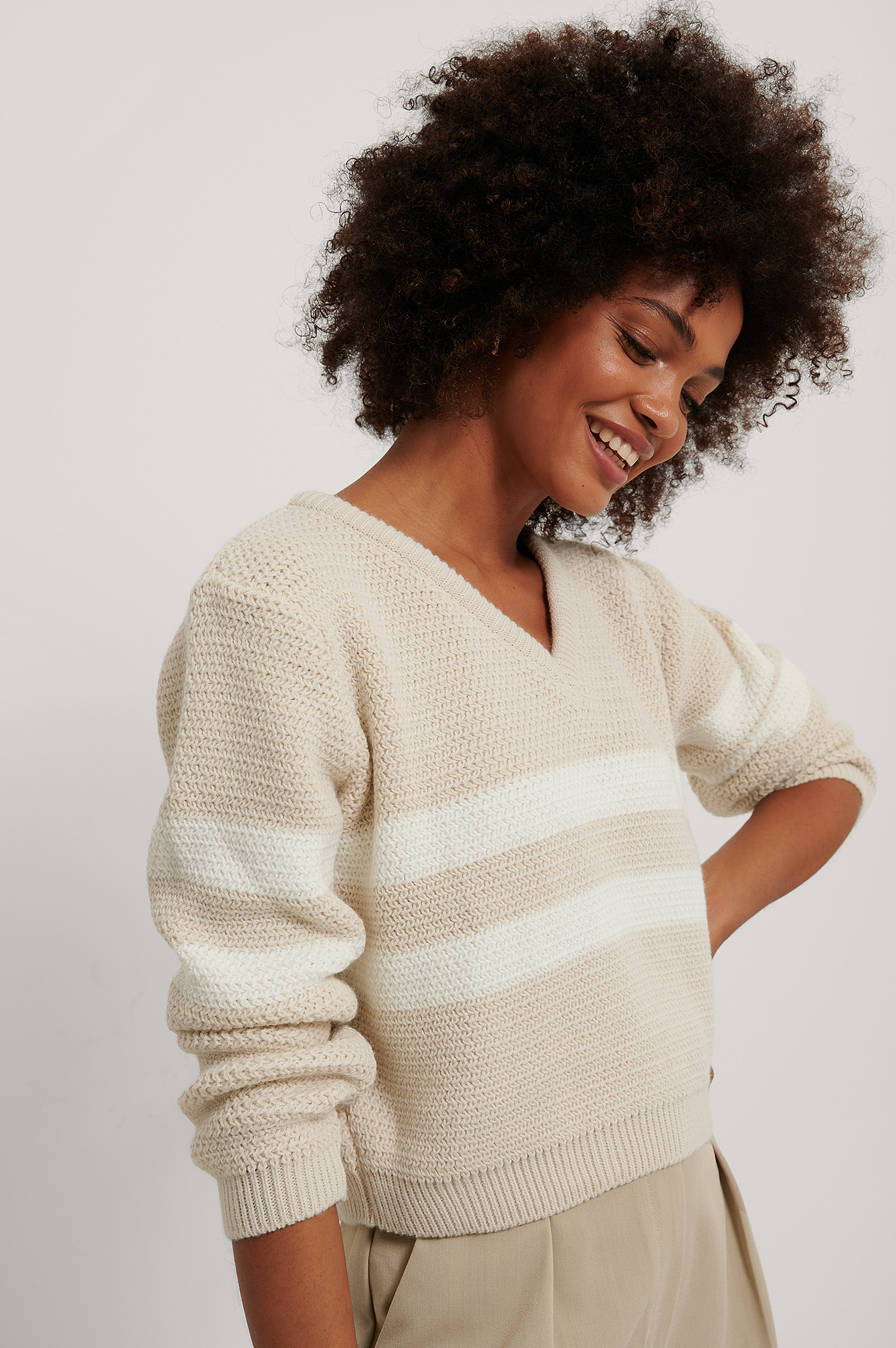 Beige/White Stripe Detail V-neck Knitted Sweater